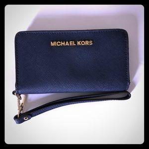 Micheal Kors cellphone holder/wallet